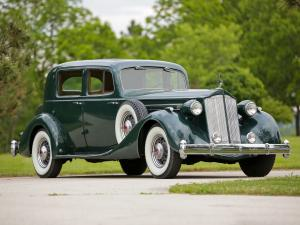 Packard Twelve Club Sedan 1936 года
